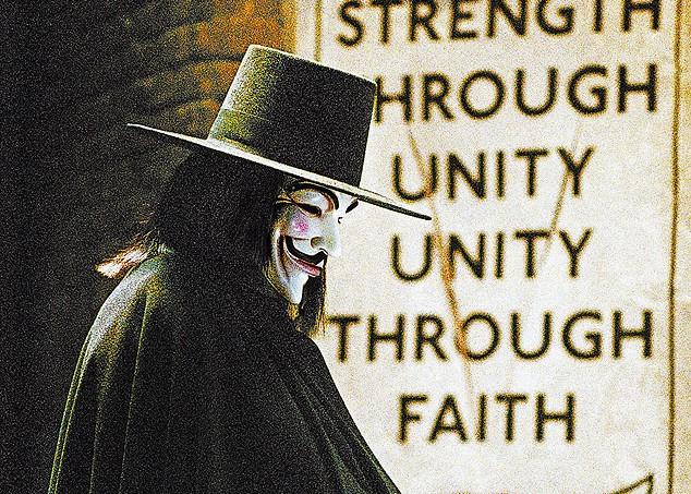 divulgacao o enigmatico V personagem de V de Vinganca vivido por Hugo Weaving