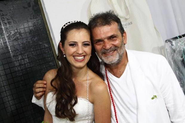Kiko e a enteada, Camila, no dia do casamento dela