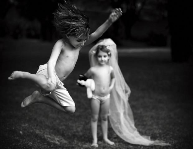 """Foto de Márcia-Charnizon """"traduz"""" o verbete infância"""