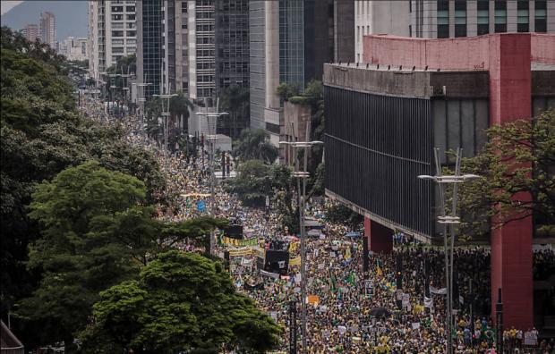 Manifestação de 15 de março, na avenida Paulista (Foto: Avener Prado/ Folhapress)